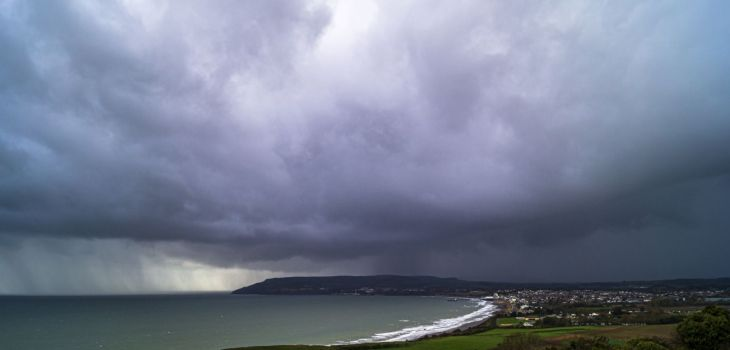 Rain over Sandown