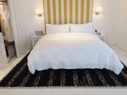 s-hotel-room-double-bed