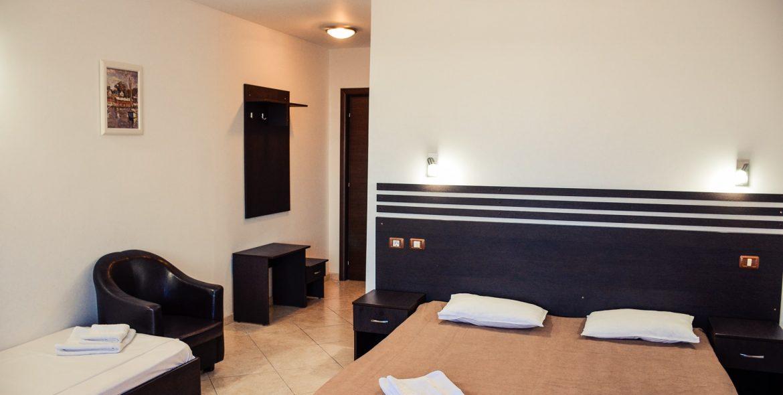Cameră triplă hotel Poienița