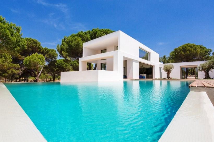 Sleek and Stylish Muda Villa