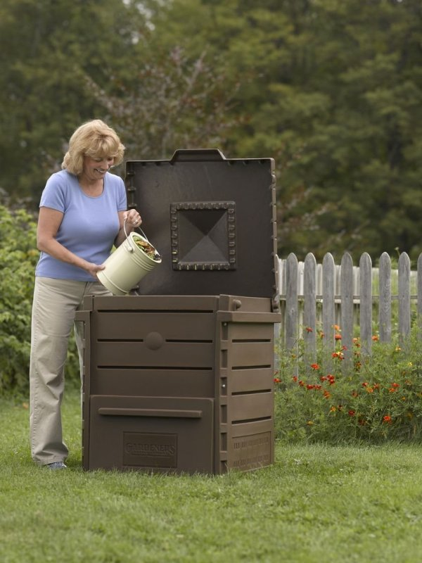 pyramid composter