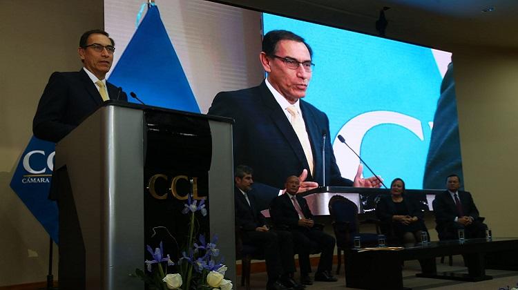 Presidente llama a empresarios a trabajar juntos contra la corrupción