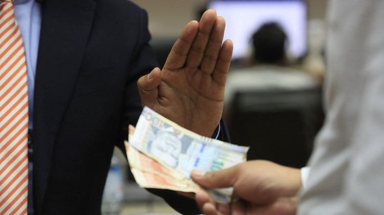 Presidente: debería haber doble pena para corrupción durante emergencia