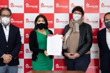 La Libertad: ARCC firma contrato para ejecutar soluciones integrales en quebrada El León