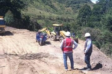 Piura: regidores constatan irregularidades en carretera de S/ 66 millones
