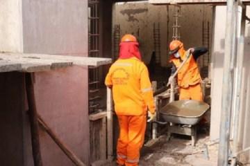 Detectan pago por ambientes no construidos y cemento vencido en obra