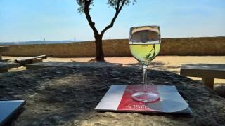 Roteiro de Lisboa: tomando um bom vinho português no Castelo de São Jorge