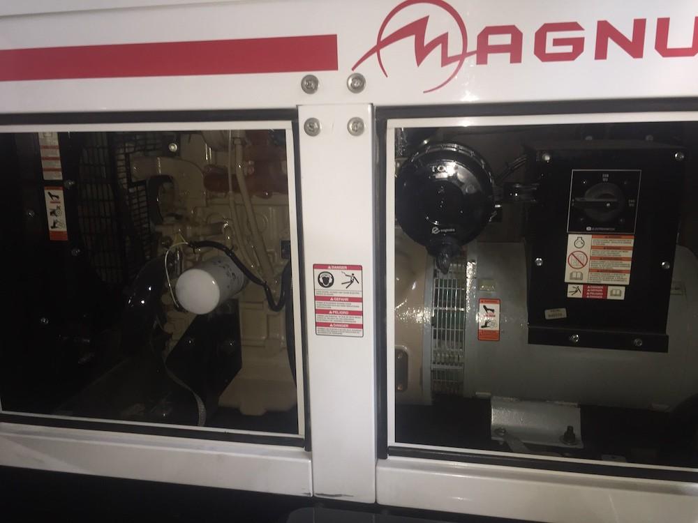 Generadores eléctricos Magnum MMG35 8