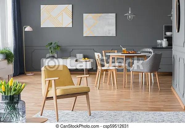 https www canstockphoto fr salle manger fauteuil 59512631 html