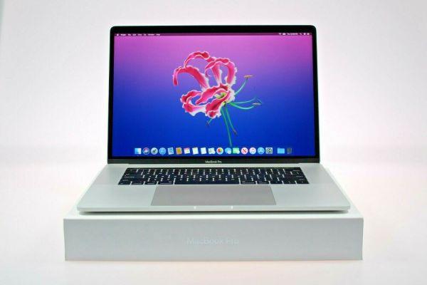 Apple MacBook Pro 15.4″ Quad-Core i5 2