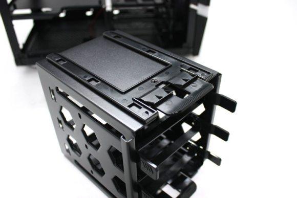 BitFenix-Colossus-MITX-(31)