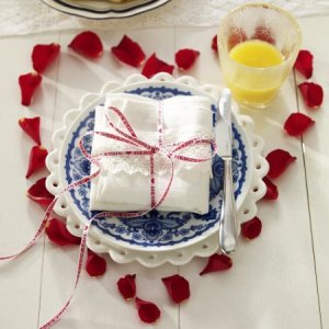 table-decoration-idea-diy-valentines-day-rose-petals-heart-festive-breakfast