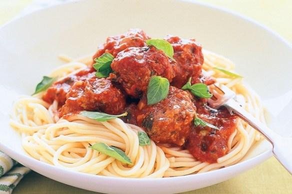 spaghetti com almondega