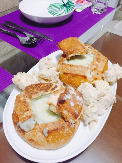Mini Pão Italiano Recheado com Creme de Gorgonzola