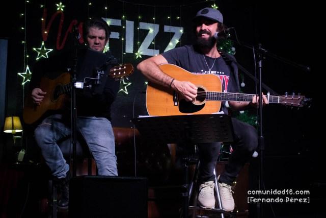 BARCELONA, ESPAÑA – DICIEMBRE 13: Lucas Masciano en concierto acústico desde la Sala New Fizz el 13 de diciembre de 2019 en Barcelona, España. (Foto por Fernando Pérez)