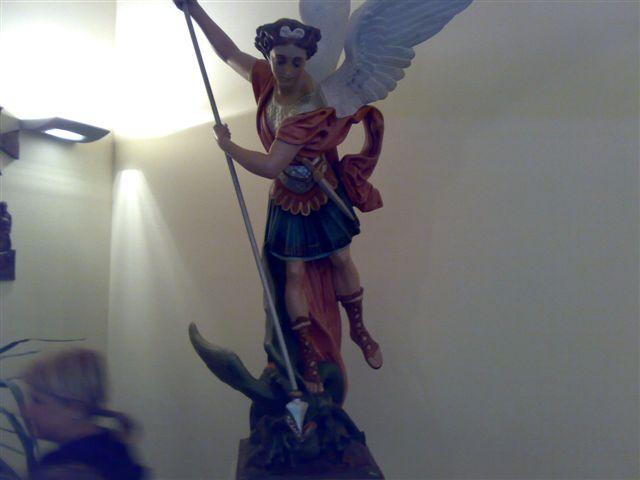 arcangelo michele proteggi il Formicoso; SCACCIA IL MALE