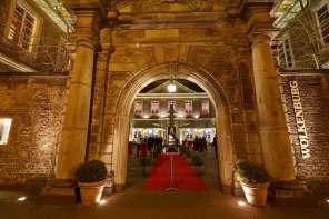 Eingang der Wolkenburg...hier fand die Abendveranstaltung des LOG statt