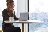 Read more about the article Tipp des Monats: Wie Körpersprache in virtuellen Meetings zur Geltung kommt