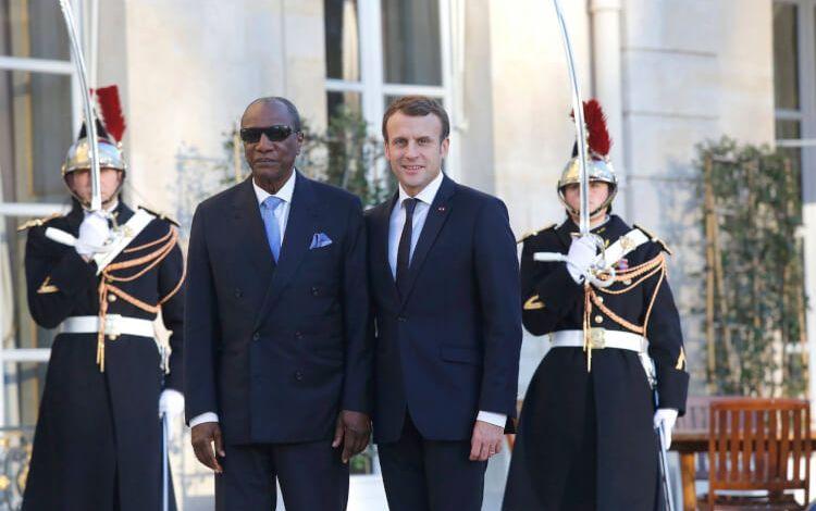 Le Président Alpha Condé, en visite de travail à Paris, a rencontré le Président Emmanuel Macron