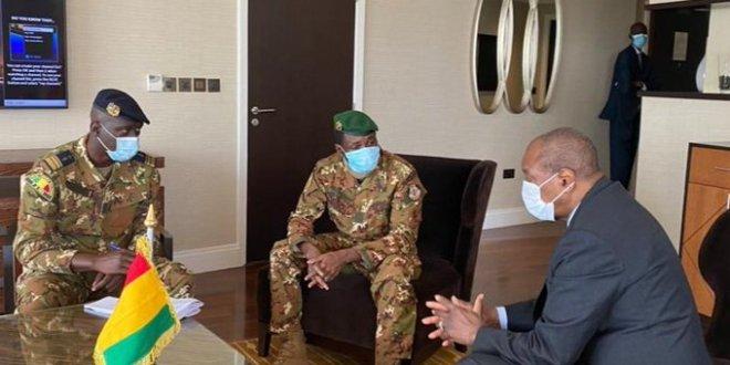 Alpha Condé et le colonel Assimi Goïta président du CNSP
