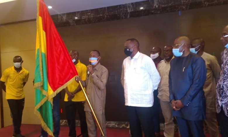cérémonie officielle de remise du drapeau tricolore au Syli National Local