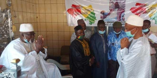 Tanené Bourama, le président Cellou Dalein Diallo est venu compatir chez la famille Sekhouna Soumah