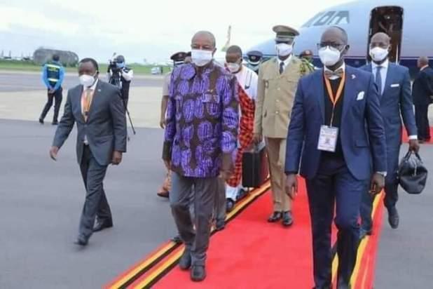 Pr. Alpha CONDÉ à Kampala pour l'investiture de son homologue Ougandais Yoweri Museveni