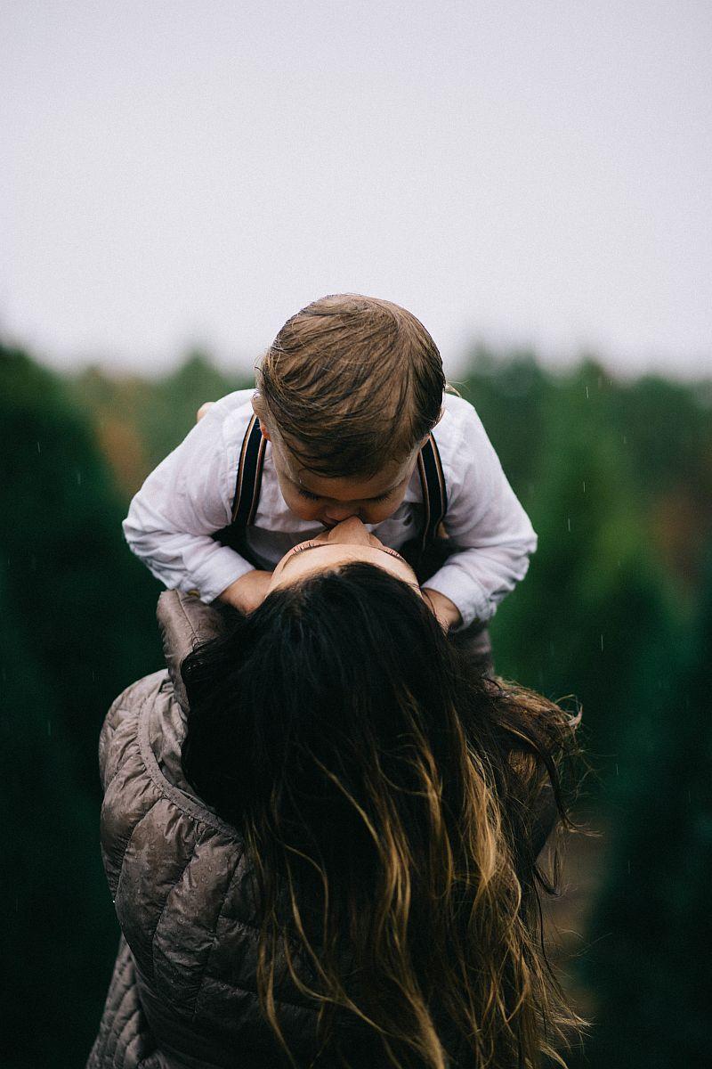 Dlaczego zatrudniłabym samotną matkę