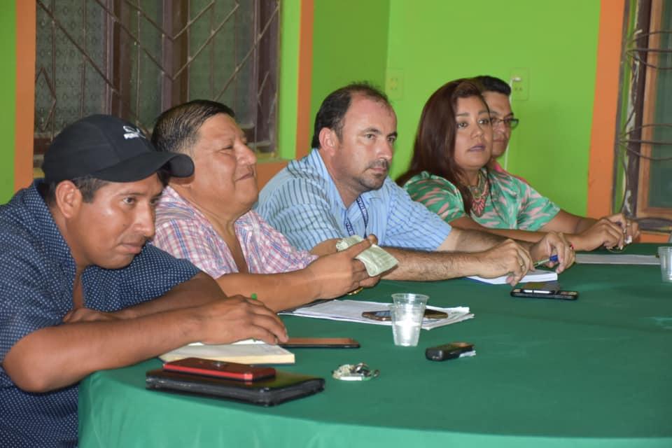 Transportistas se reunieron con la ABC y Vías BOLIVIA para buscar una pronta solución a los baches en las carreteras al norte.
