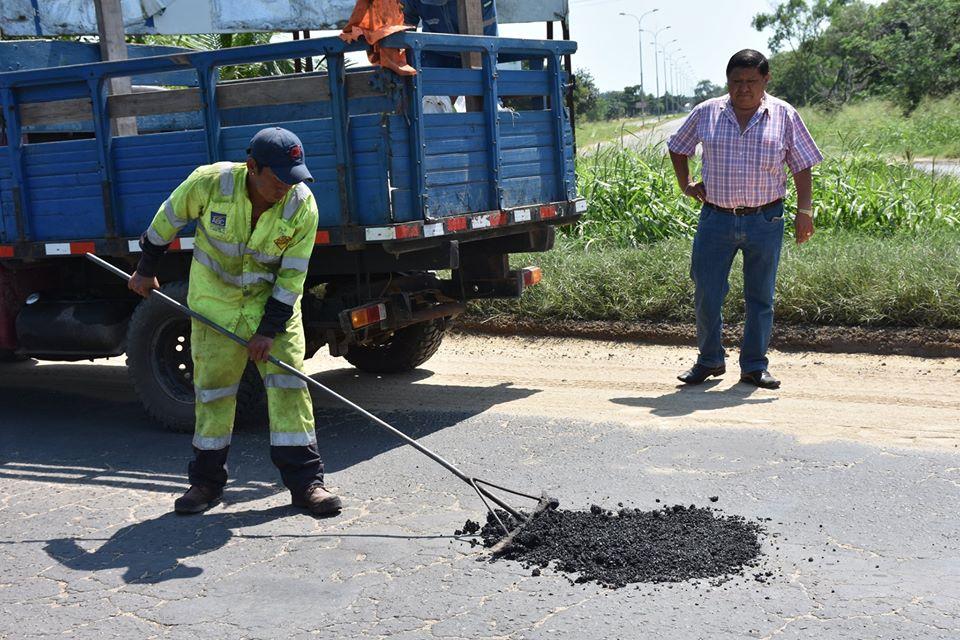 Bacheo doble vía Montero – Guabirá.