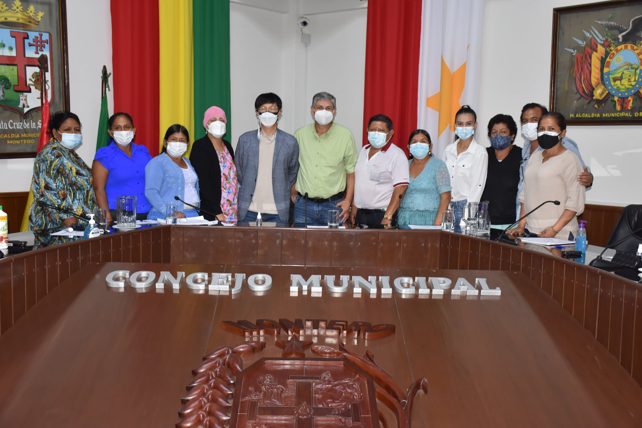 Empresa coreana SANJUNG presenta idea de proyecto 'Montero con economía verde' que consiste en el reciclado del plástico para fabricar tubos con una vida útil de 400 años.