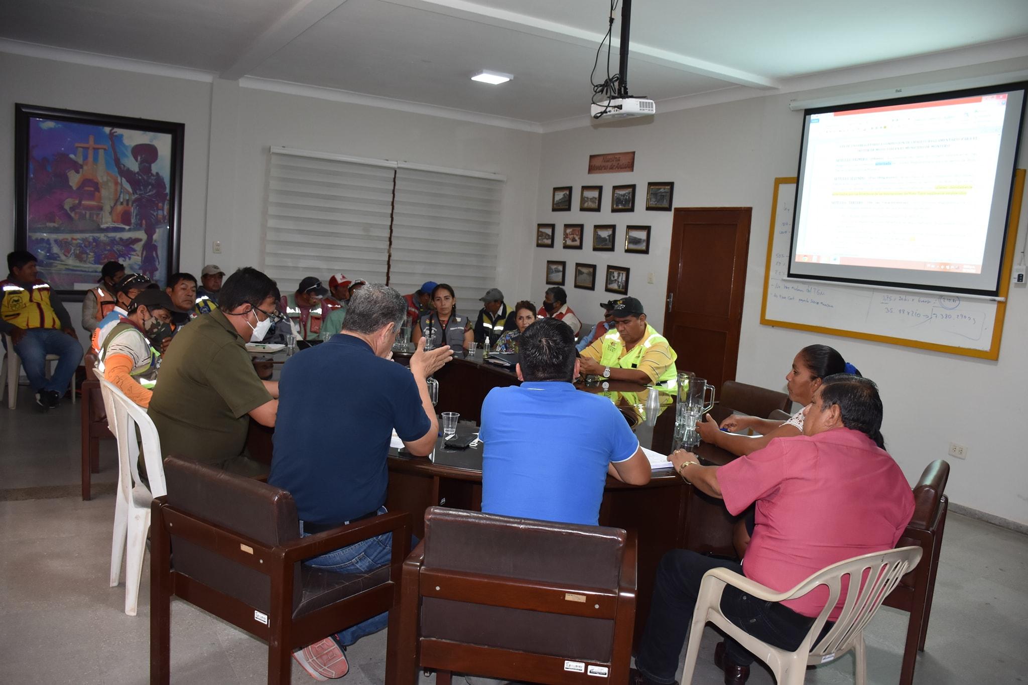 Reunión de socialización con el sector Moto taxis