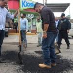 bacheo en armeria 2 - Ayuntamiento de Armería mantiene programa permanente de bacheo - #Noticias