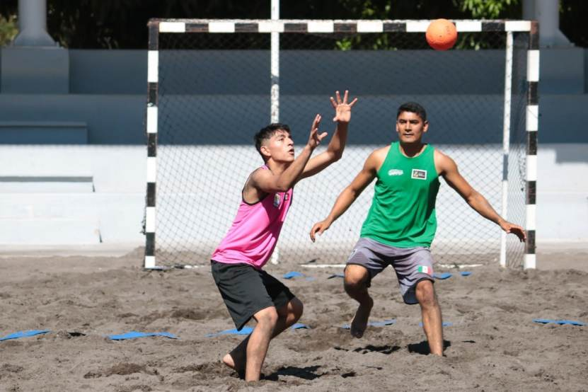 incode handball 04 - Preselección Nacional Juvenil de handball de playa se concentra en Colima: Incode - #Noticias