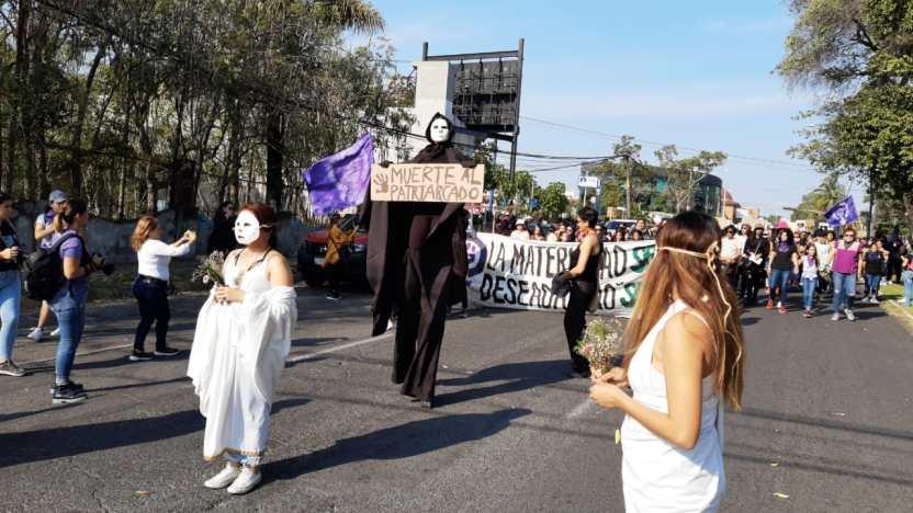 2F3744DA EBD0 4ABF A844 8137DCBAE810 - Miles de mujeres exigen fin a la impunidad y la violencia contra su género - #Noticias