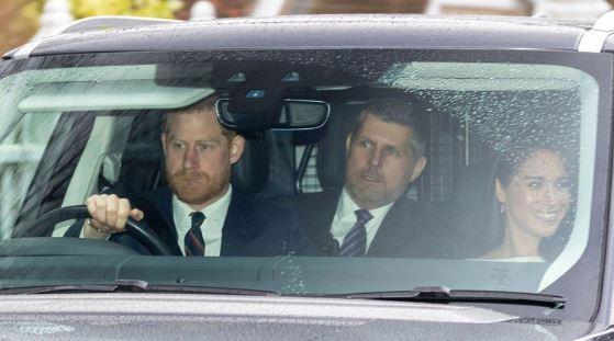 """DUQUES DE SUSSEX 1 - El gesto de la reina Isabel II con Harry y Meghan que demuestra que """"aun se aman"""" - #Noticias"""