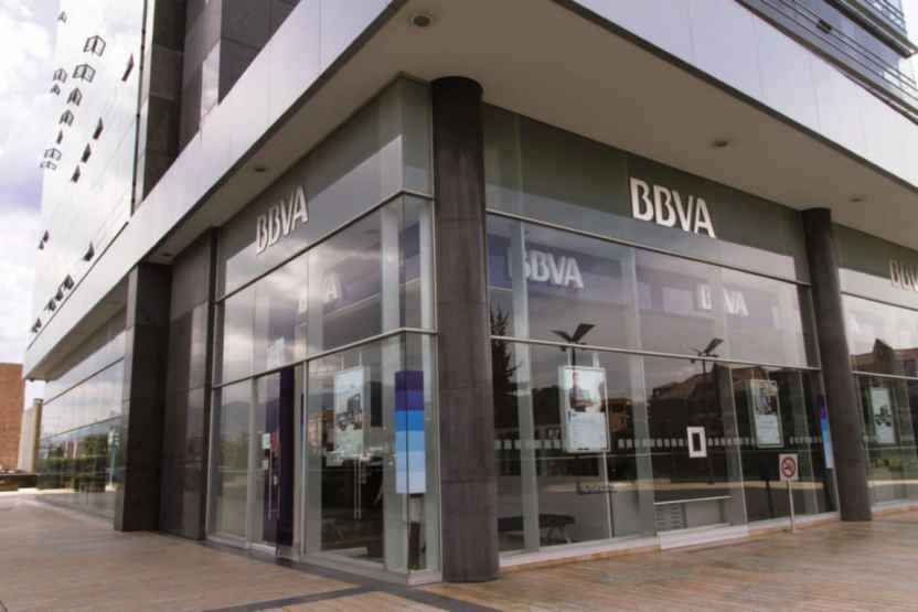 Exterior of Office BBVA Colombia 8 1024x683 1 - Bancos se unen al Día Sin Mujeres y no abrieron - #Noticias