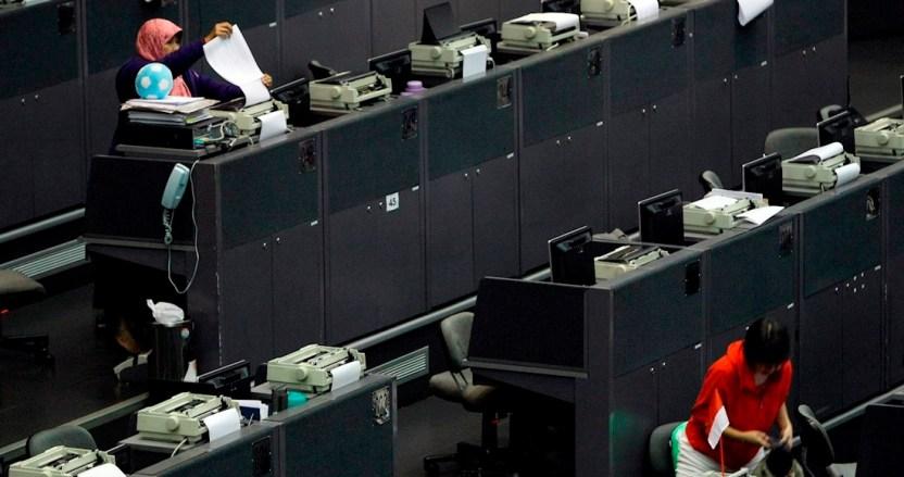 bolsas asia europa - El alza en los petroprecios no anima a las bolsas: las europeas apenas suben 1%; Asia apenas 1.3%