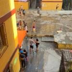desperdicio agua - Detienen a cuatro personas por desperdiciar agua en Sábado de Gloria