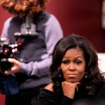 159712845000a74cd8e8c12c44fe8adddd2b039d - Becoming, el documental de Nadia Hallgren en el que tuvo que seguir a Michelle Obama durante su gira