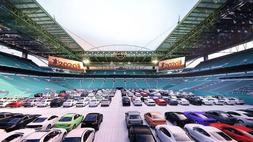 5 Drive In Inside Stadium.jpgquality80stripall - El emblemático estadio Hard Rock de Miami se convierte en un autocine en época de coronavirus