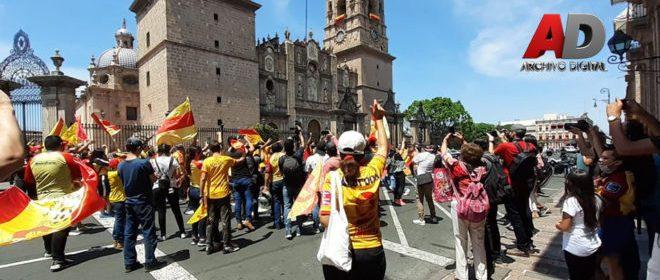 7m 660x330 - Marchan en Centro Histórico de Morelia para evitar que el equipo «Monarcas» cambie de sede – Archivo Digital Colima