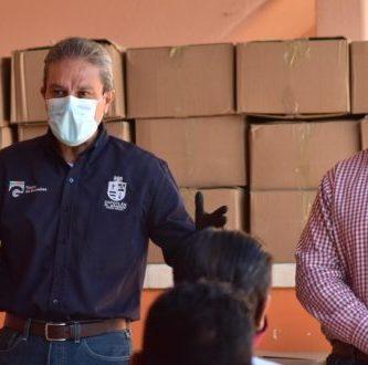 98469883 2609340682727714 554430602321854464 o 660x330 - Pepe Guerrero entrega despensas en reunión con Taxistas de Zapotlán El Grande – Archivo Digital Colima