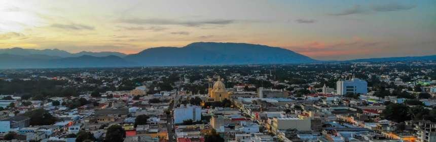 AFmedios Dron Centro de Colima Catedral Cerro Grande - SMN pronostica viernes sin lluvia y de ambiente muy caluroso