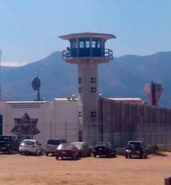 DWvRloCU8AA2ULD c - Confirman brote de covid-19 en penal de Tanivet, Oaxaca