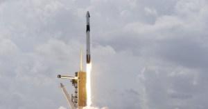 eei - La cápsula Crew Dragon de SpaceX se acopla a la Estación Espacial Internacional (VIDEOS)