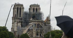 la catedral de notre dame reabre al publico - El patio de la catedral de Notre Dame reabre de nuevo al público después de una limpieza profunda