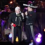 ap20171532356767 - Después de 15 años, Alejandro Fernández vuelve a cantar con mariachis y a dueto con su padre