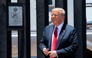 """GettyImages 1222261351 scaled - La """"amistad"""" de Trump con AMLO no detiene el muro y el presidente promete 720 kilómetros más"""