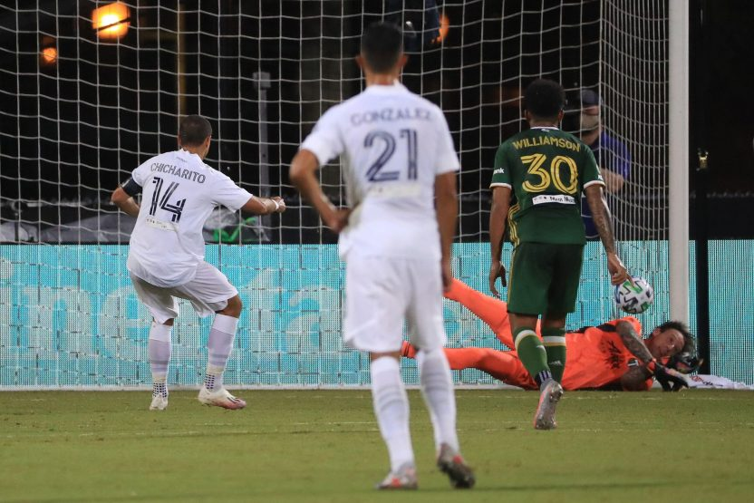 GettyImages 1256026480 scaled - Javier 'Chicharito' Hernández falla un penalti pero se estrena como goleador en la MLS